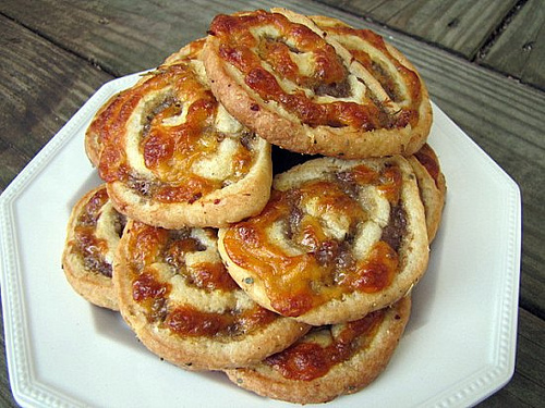 Post image for Sausage & Cheese Pinwheels