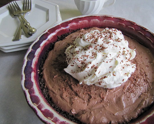 Post image for Chocolate Cream Pie With Banana Whipped Cream