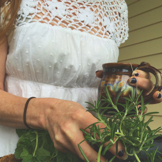 Hanging Herbs, Edible Landscapes & Janky Nails 1